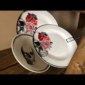 Other - Wicked Ciroa plates and bowl
